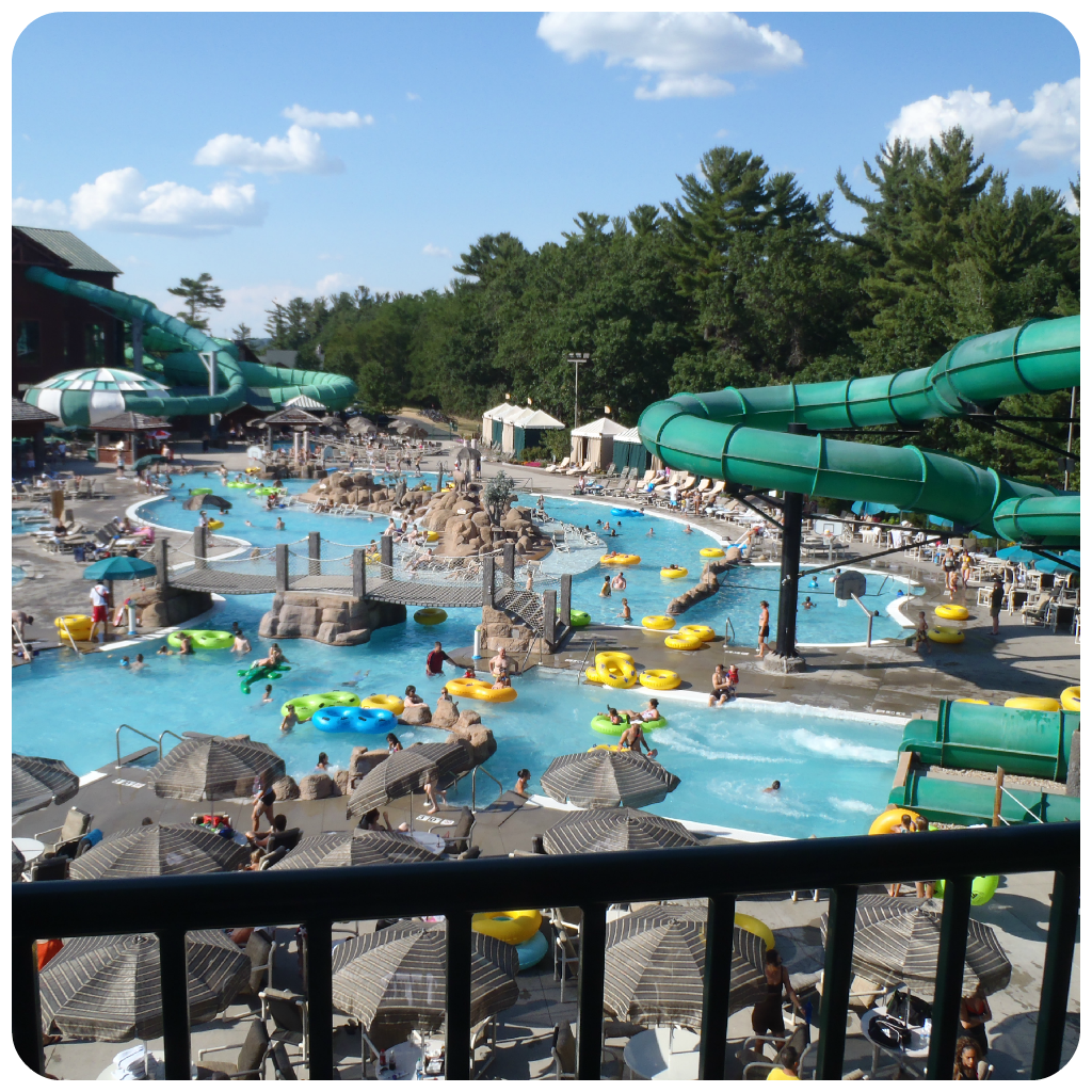 The wilderness hotel golf resort a vacation destination for Dells wilderness cabin