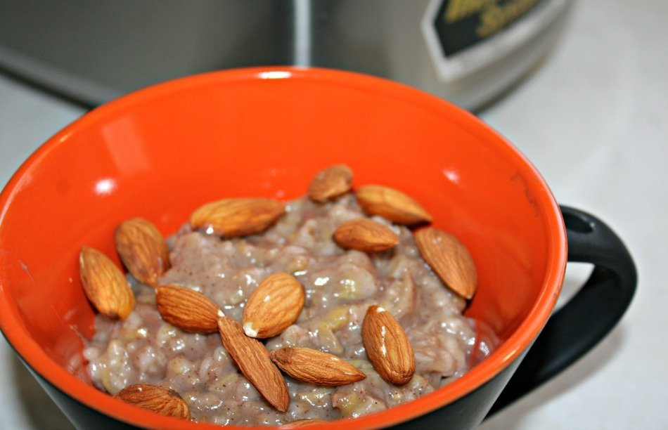 Overnight Rice Cooker Steel Cut Oats with Banana – Sugar and Gluten Free!