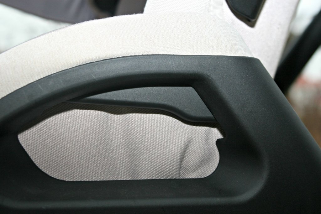 inglesina stroller seat button