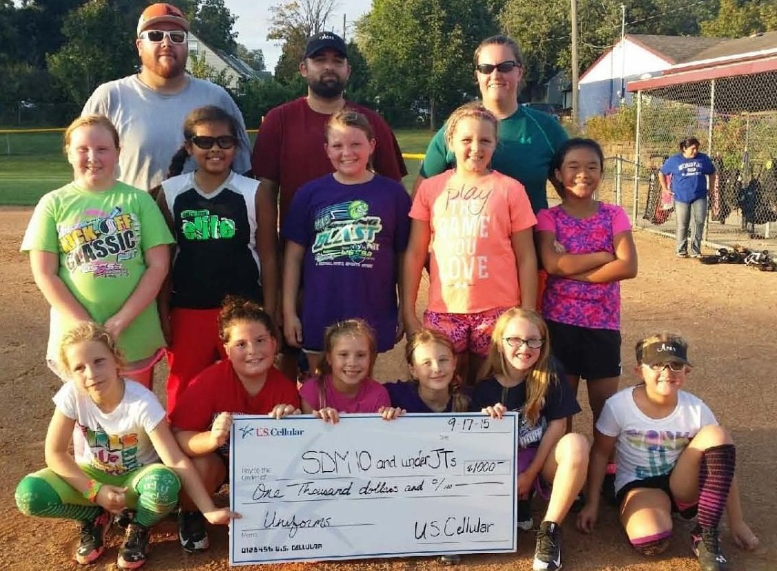 SDM 10 and under JTs softball team photo