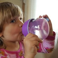 avent sippy cup babies start drinking with cups