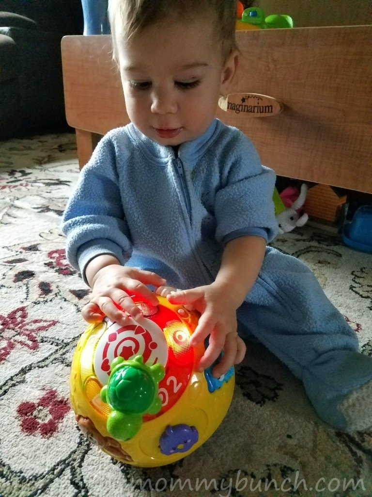 wiggle-and-crawl-ball-vtech-top-rated-toys-for-infants