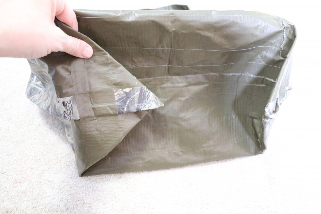 making flat bottom tote