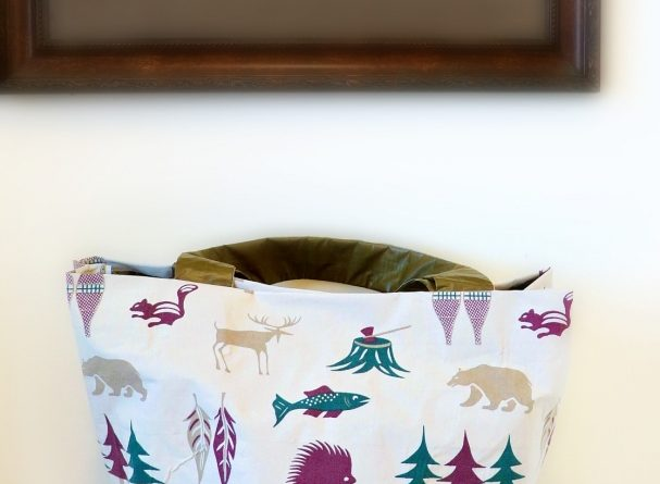 upcycled-duck-tape-storage-tote-diy-small-bathroom-storage-ideas