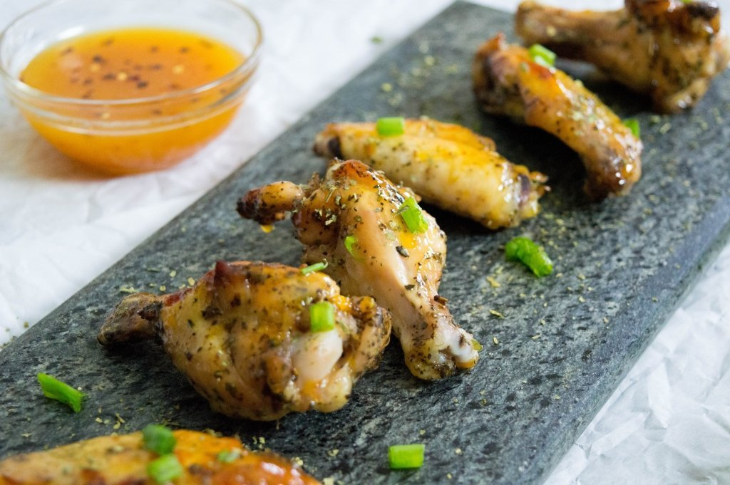 Easy Baked Chicken Wings with Apricot Sauce