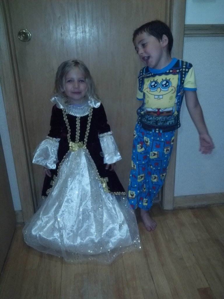 Finding Quality, Inexpensive Girls Costumes for Every Elegant Little Lady!