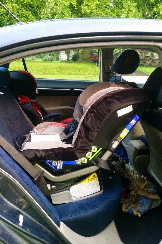 britax advocate in compact car