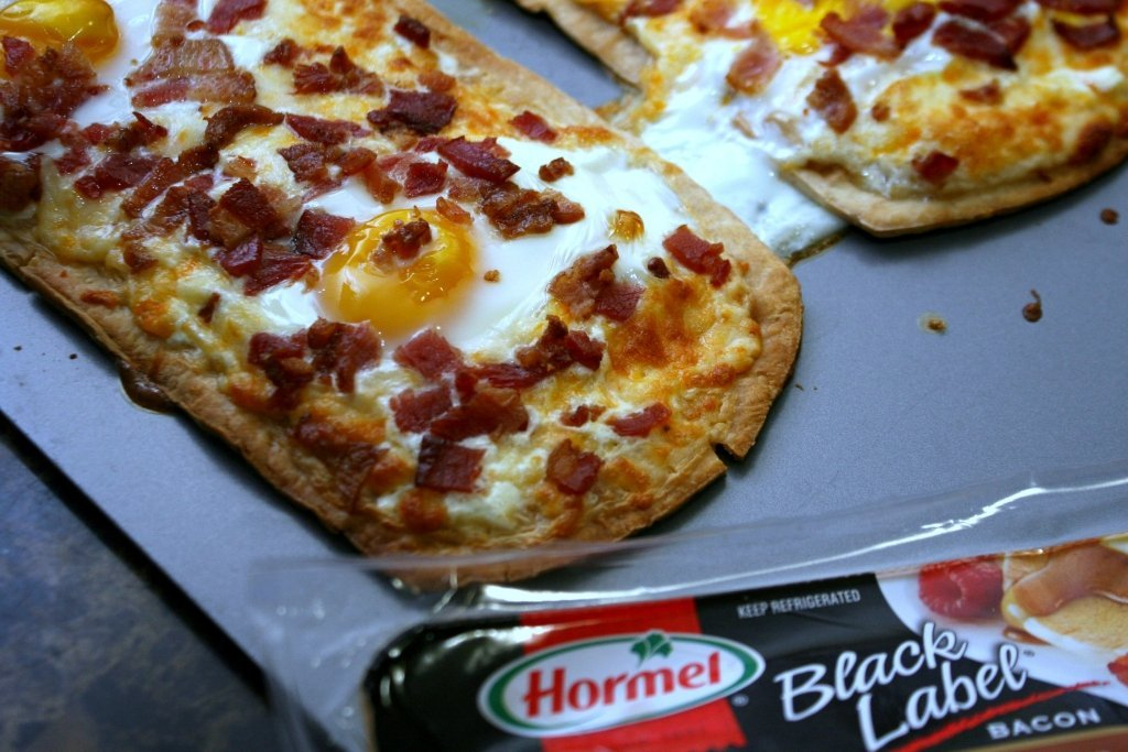 Breakfast Pizza Bacon