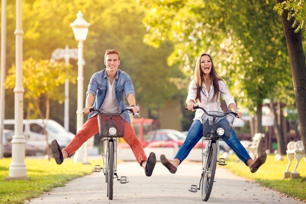couples bike riding