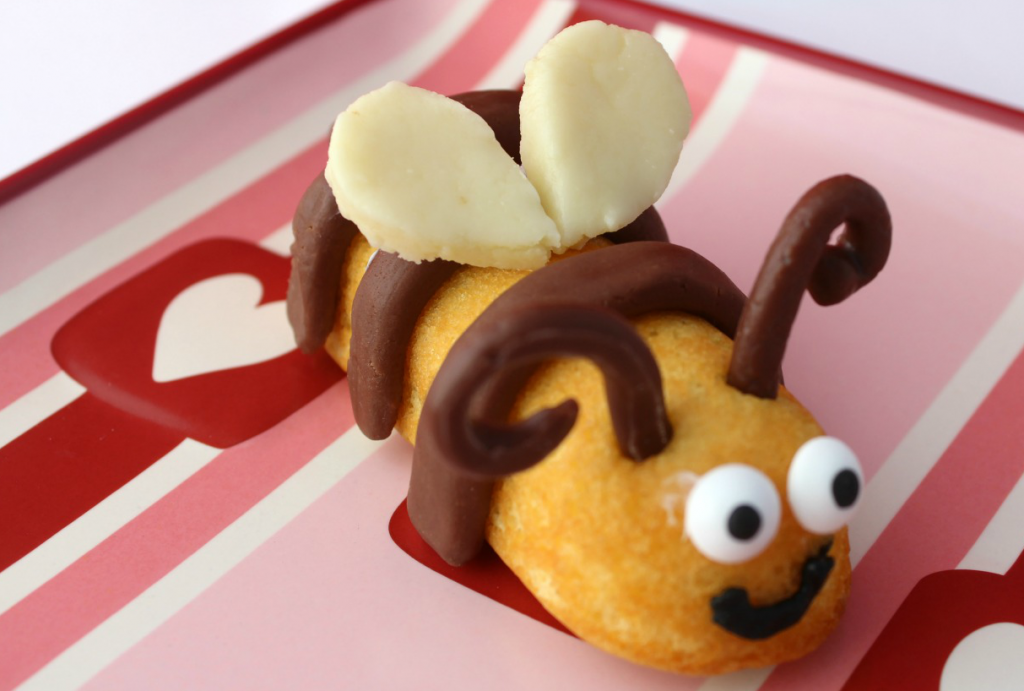 Honey Bee Valentine - Valentine's Day Treat Idea