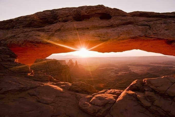 canyonlands-mesa-arch-cool places in utah