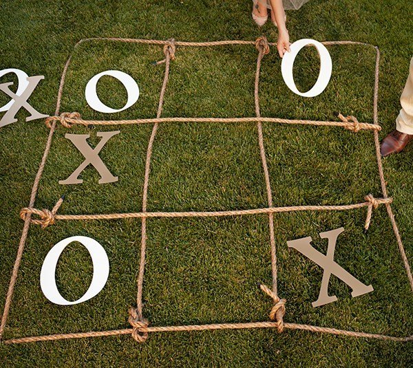 cricut-made-tic-tac-toe-game-for-a-party