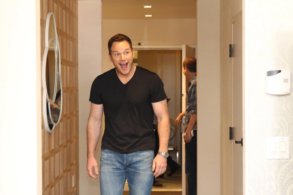 Check out what Chris Pratt had to say about the new Guardians of the Galaxy Vol. 2 movie, working on set, meeting Kurt Russell, and more!