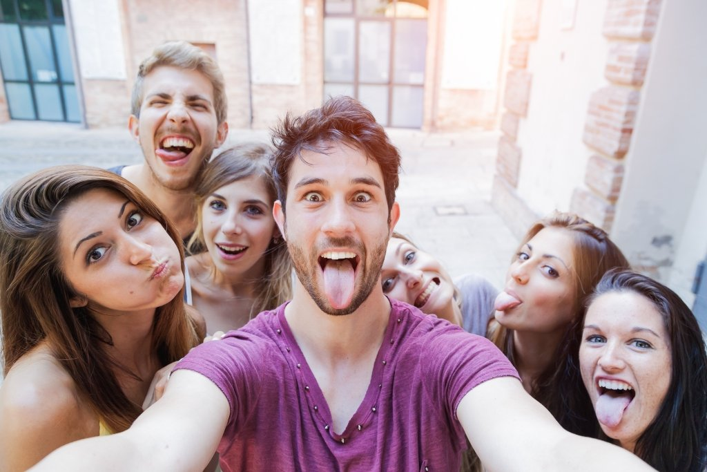 How To Take A Great Selfie In Four Easy Steps