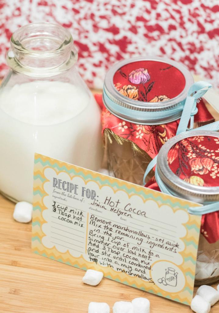 #MilkTheRealStory - We love milk, especially warmed with a bit of homemade hot cocoa mix! See how to make this easy mason jar gift for your friends and family.