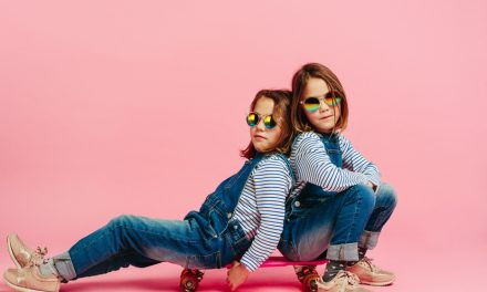 4 Tips to Help You Plan a Birthday Party for Your Twins