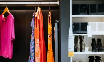 4 Steps To Finally Tackling Your Cluttered Closet This Summer